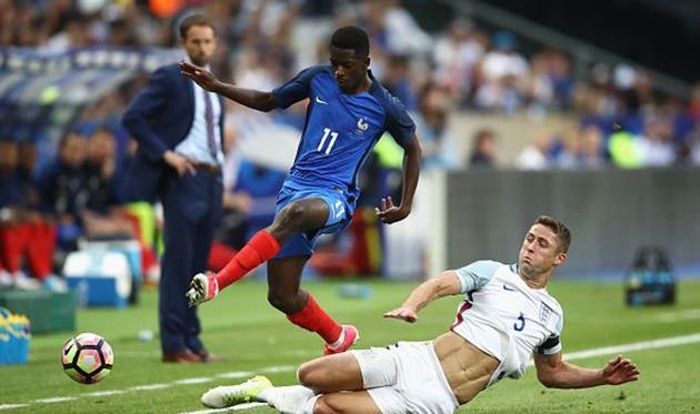 Франция в меньшинстве переиграла Англию