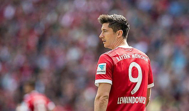 Бавария угрожает претендентам наЛевандовски санкциями ФИФА