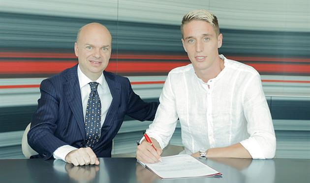 Футбольный клуб «Милан» объявил оприобретении защитника Конти