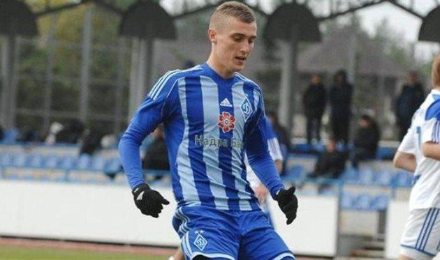 Панфилов подписал контракт с Зиркой