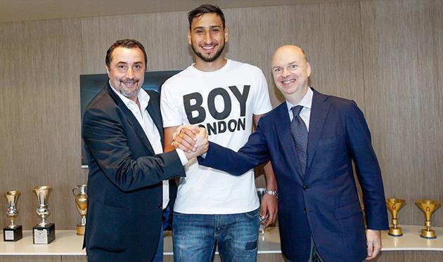 Доннарумма продлил контракт с Миланом