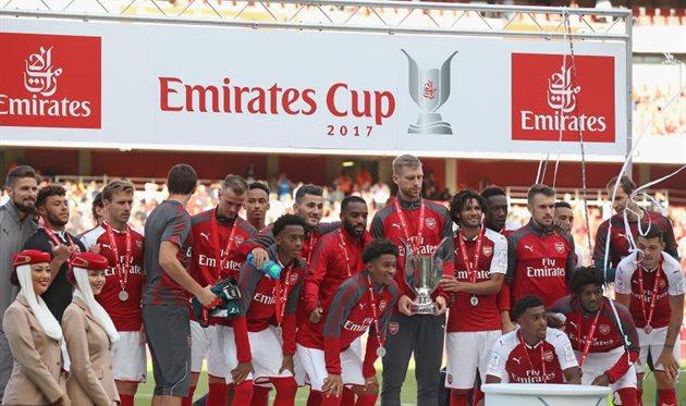Арсенал проиграл Севилье, но выиграл Emirates Cup