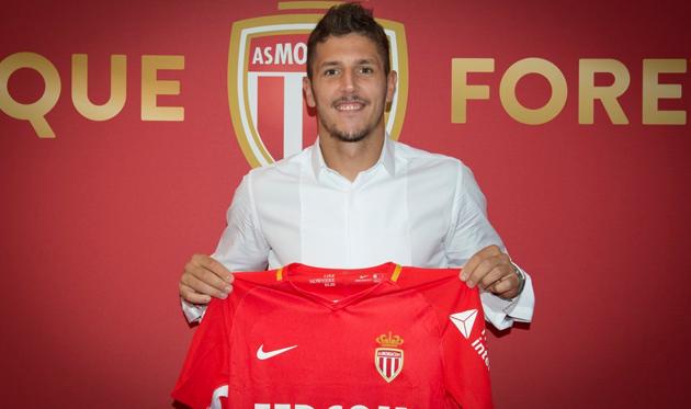 Йоветич подписал контракт с Монако
