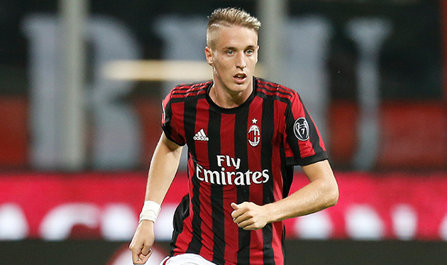 Защитник «Милана» Конти выбыл наполгода