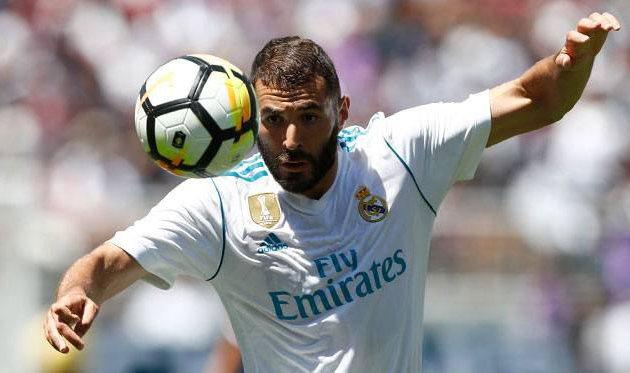 Реал заключил новый контракт с Бензема