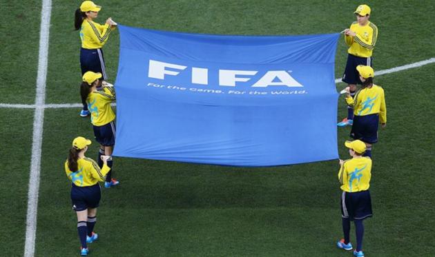 ФИФА может сократить число перерывов на матчи сборных, но увеличить их длительность
