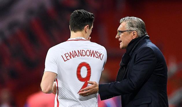 Польские футболисты победили черногорцев ивышли в заключительный турнирЧМ