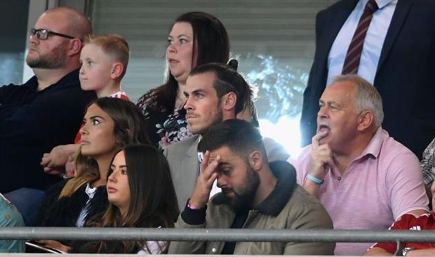 Гарету Бэйлу все чаще приходится смотреть футбол с трибун, Getty Images