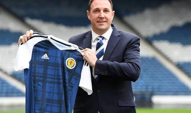 ВШотландии отыскали тренера наодин матч