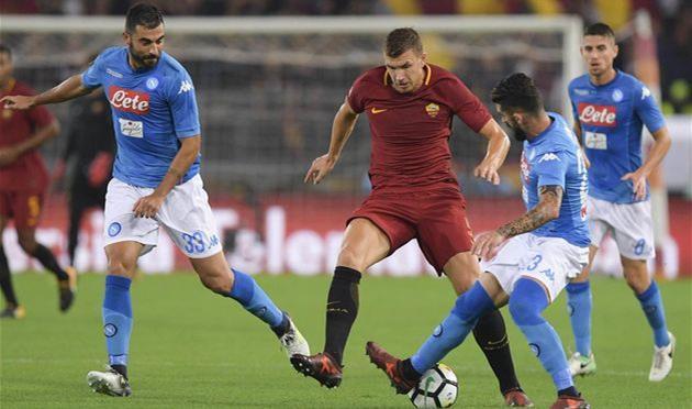 «Наполи» одержал восьмую победу подряд вчемпионате Италии пофутболу, обыграв «Рому»