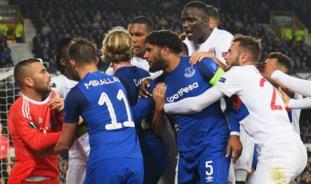 УЕФА накажет Эвертон за поведение фаната