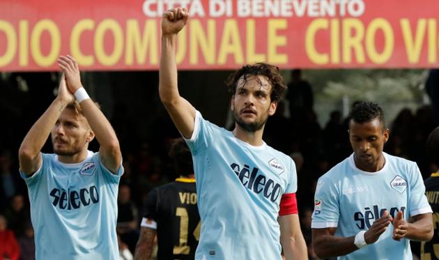 Лацио обыграл Беневенто и догнал Ювентус с Наполи