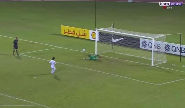 Голливудский сценарий: арбитр удалил голкипера в серии пенальти, после чего полевой игрок вывел Катар на ЧМ