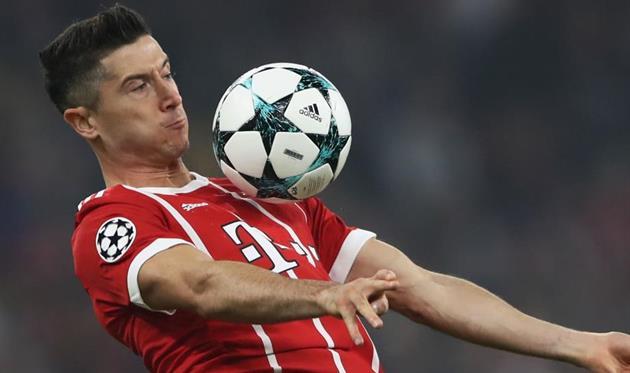 Былобы здорово увидеть в«Баварии» нового нападающего— Роберт Левандовски