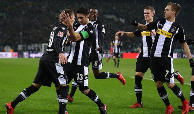 «Бавария» уступила мёнхенгладбахской «Боруссии» в13-м туре чемпионата Германии пофутболу