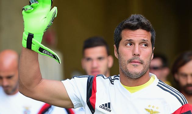 38-летний Жулио Сезар покинул «Бенфику» иможет закончить карьеру