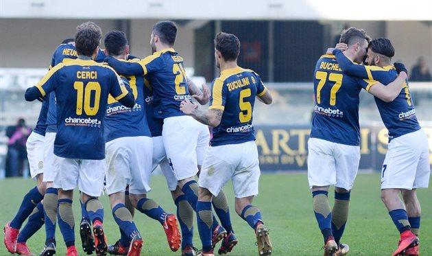 «Милан» разгромно проиграл навыезде «Вероне»