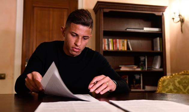 Додо подписывает контракт с Шахтером, фото ФК Шахтер