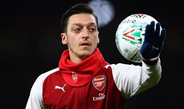 Озил продлил договор слондонским «Арсеналом»