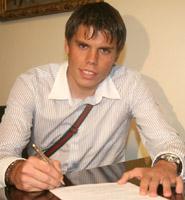 Вукоевич подписывает контракт, fcdynamo.kiev.ua