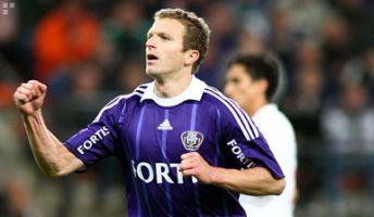 Авторо второго гола в ворота Мускрона Томас Шателье. sporza.be