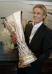Анатолий Тимощук с Кубком УЕФА, АР
