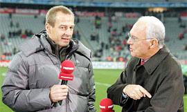 Клинсманн и некто интервьюер, фото fcbayern.t-home.de