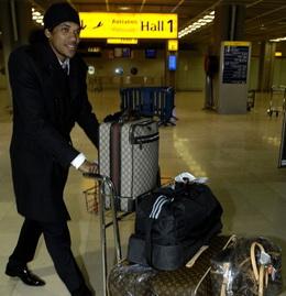 Брандао в аэропорту, фото Franck Pennant