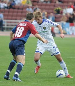 Еременко против канонира Данилова, фото Ильи Хохлова, Football.ua