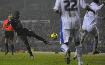 Первый гол Дефо, Reuters