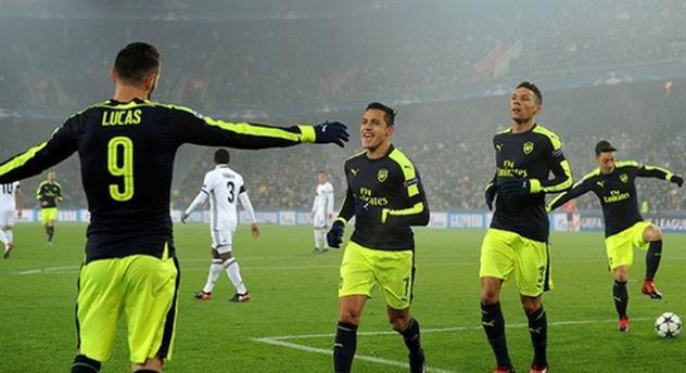 Арсенал разгромил Базель и занял первое место в группе