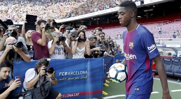 Три гола Лео Месси принесли победу «Барселоне» 5:0 над «Эспаньолом»