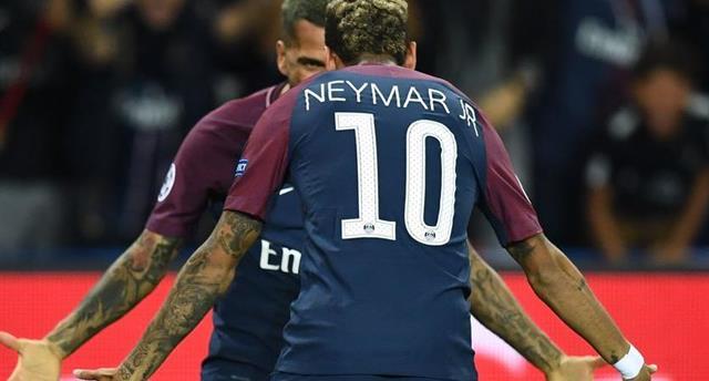Неймар и Дани Алвес, официальный сайт УЕФА
