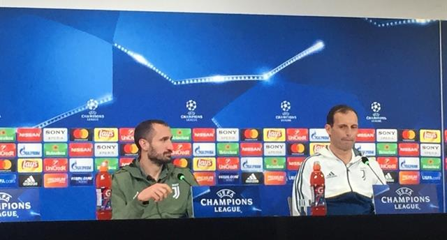 Кьеллини (слева), фото: УЕФА