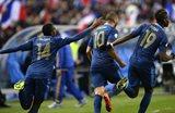 Франция празднует второй гол, Getty Images