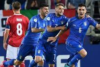 ИТАЛЬЯНЦЫ ПРАЗДНУЮТ ВЗЯТИЕ ВОРОТ, UEFA.COM