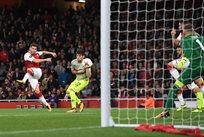 Сеад Колашинац сравнивает счет, twitter.com/Arsenal