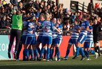 Футболистки Рединга радуются невероятному голу, фото: ФК Рединг