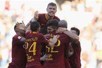 Рома празднует победу над Лацио/Getty Images