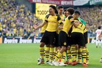 Игроки Боруссии празднуют гол, twitter.com/BVB