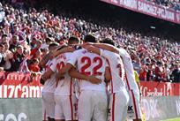 Игроки Севильи, twitter.com/SevillaFC_ENG