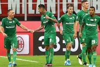 Фиорентина празднует гол в ворота Милана, getty images
