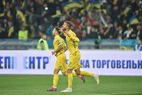 Александр Караваев и Андрей Ярмоленко после второго гола в ворота Португалии, фото УАФ