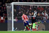 Победный гол Мораты в матче Атлетико - Байер, Getty Images