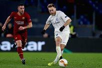 Роман Безус (справа) в матче Рома - Гент, Getty Images