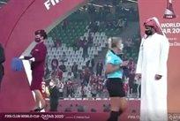 Члены королевской семьи Катара отказались приветствовать женщин-арбитров на церемонии награждения после финала КЧМ-2021