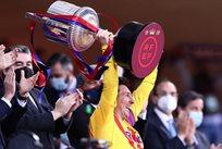 Лионель Месси с Кубком Испании, Getty Images