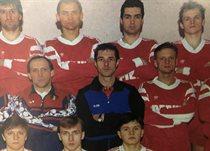 Яковенко — перший праворуч у верхньому ряді
