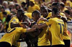 Игроки АЕЛа отмечают взятие ворот Зенита, фото uefa.com