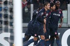 Ботиа вместе с командой празднует забитый гол, Getty Images